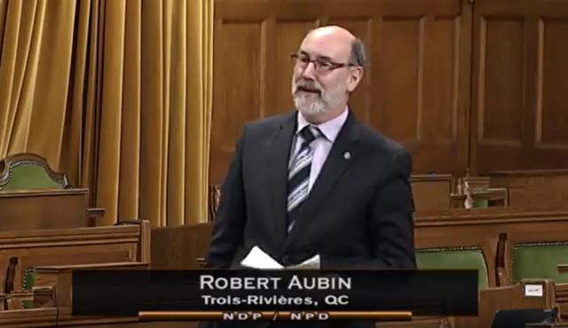 Aubin critique Trudeau sur la gestion de la crise des migrants