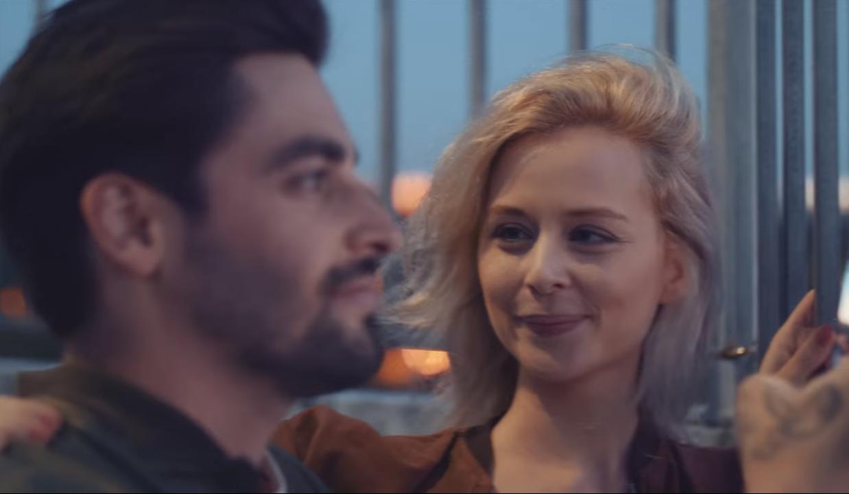 King Melrose : un nouveau clip sensuel et complice