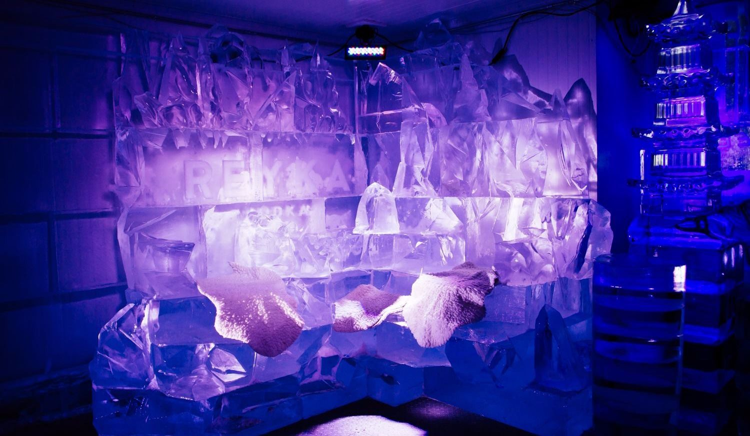 Amazing Ice Hotels & Bars to Visit Near Montreal