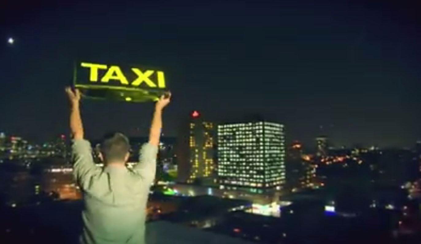 Cash Cab Returns to Montreal!