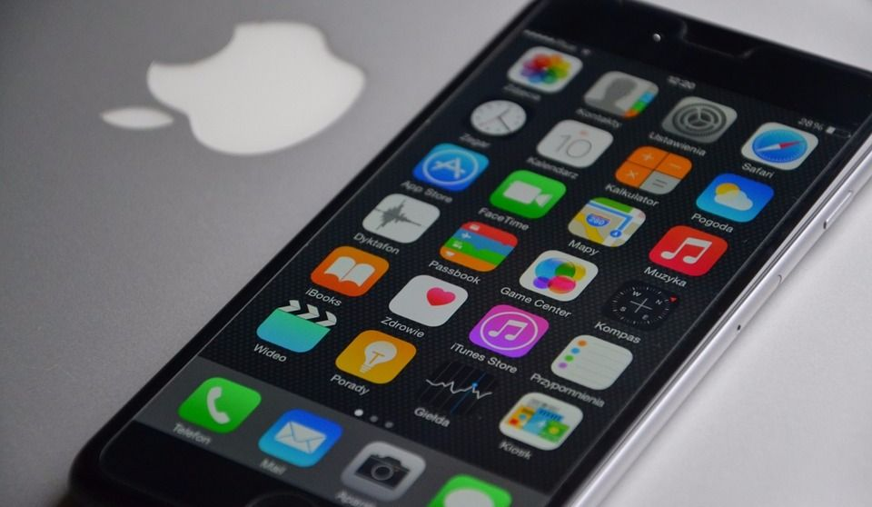 """Montrealer Files Class Action against Apple for """"Planned Obsolescence"""""""