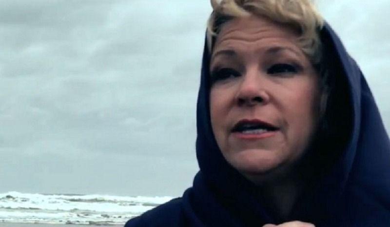 Un nouveau clip magistral pour Lulu Hughes