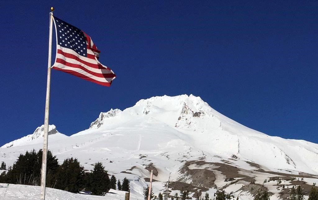 Un alpiniste mort et sept autres secourus au mont Hood, en Oregon