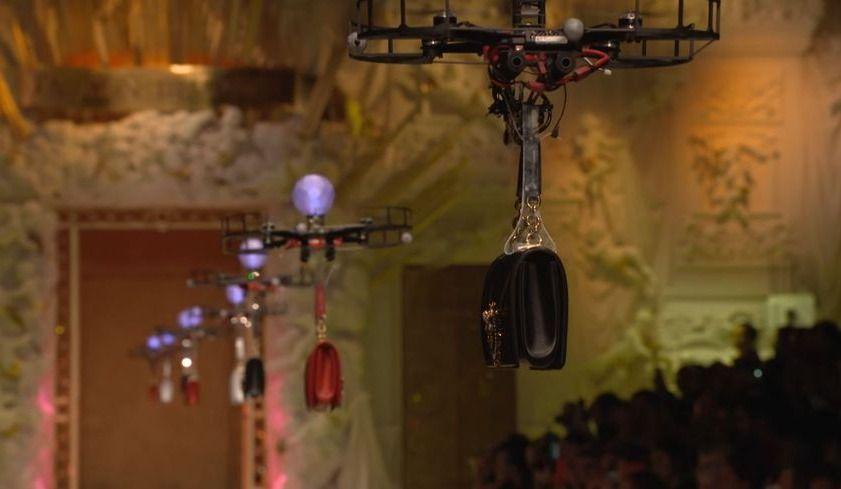 Défilé de drones pour Dolce & Gabbana