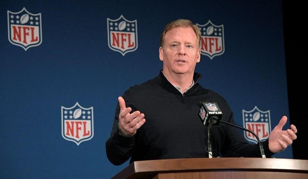NFL: punition de 15 verges si un joueur frappe avec le casque