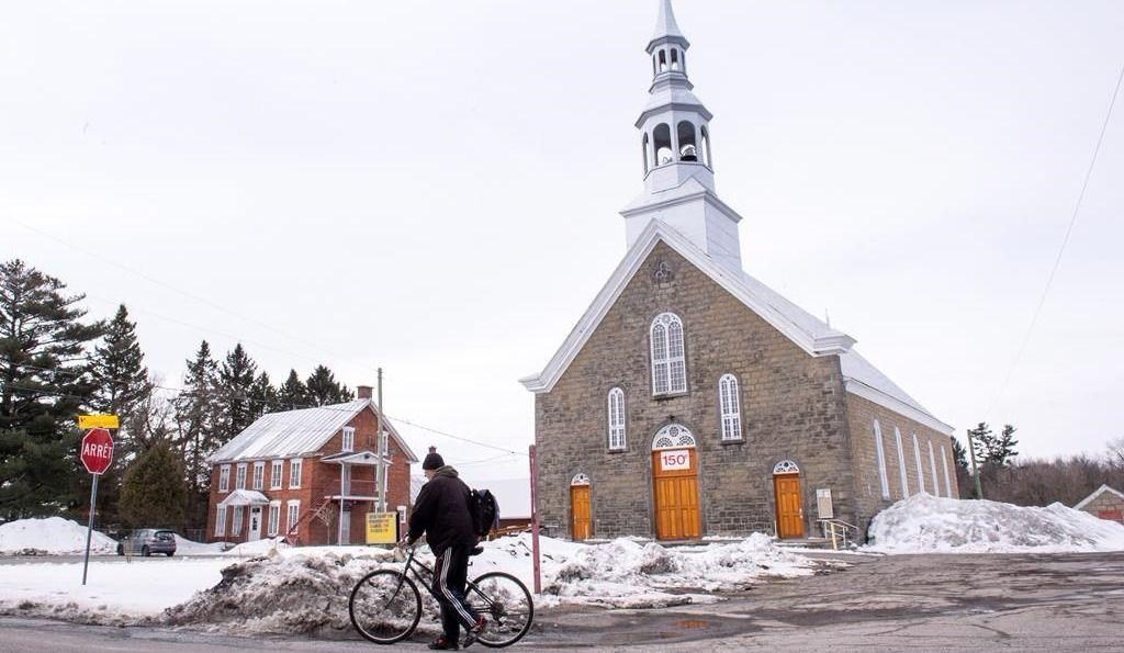 Des fidèles catholiques s'activent contre la fermeture d'églises