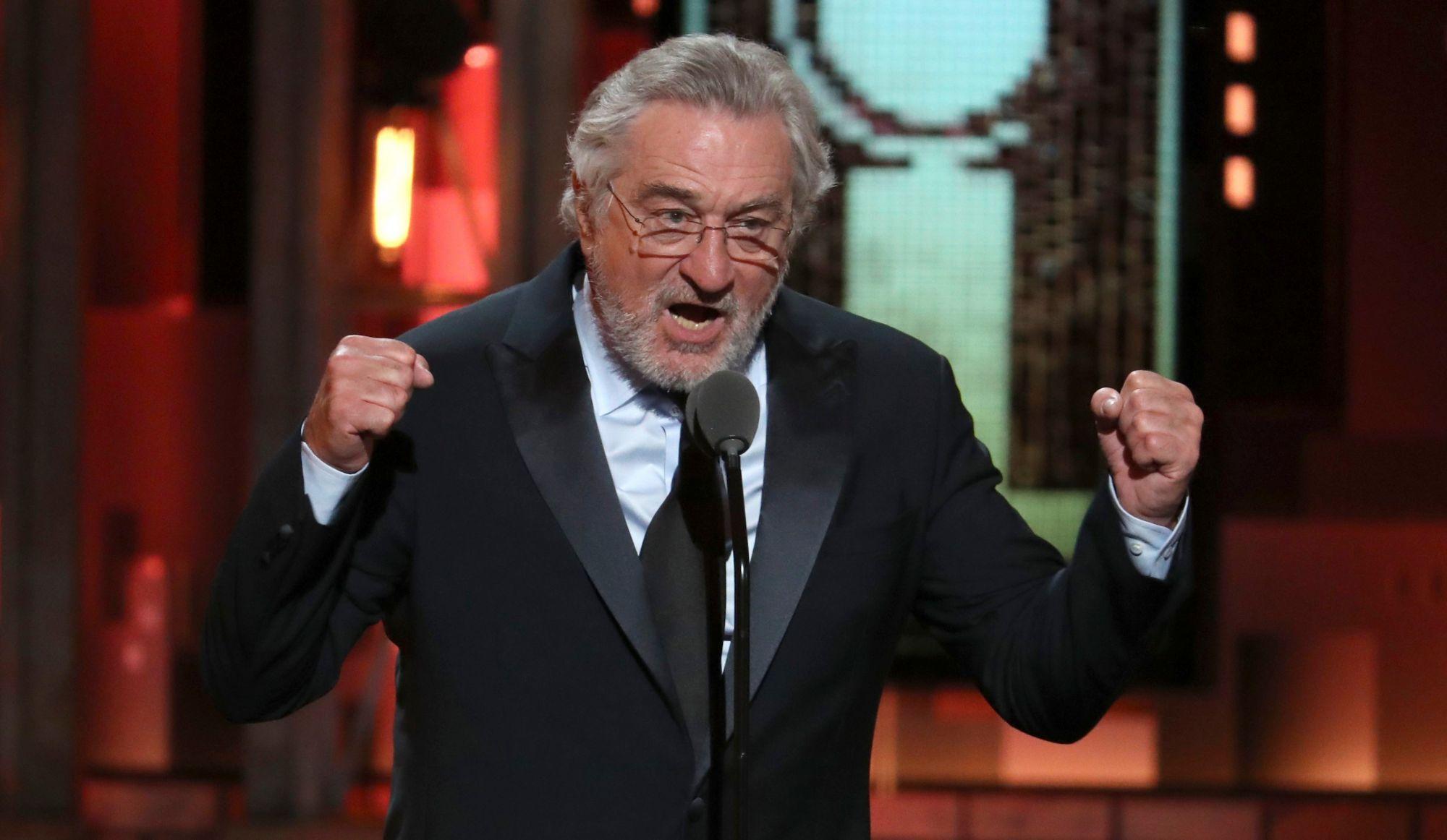 Tony Awards: Robert De Niro insulte Trump et reçoit une ovation debout
