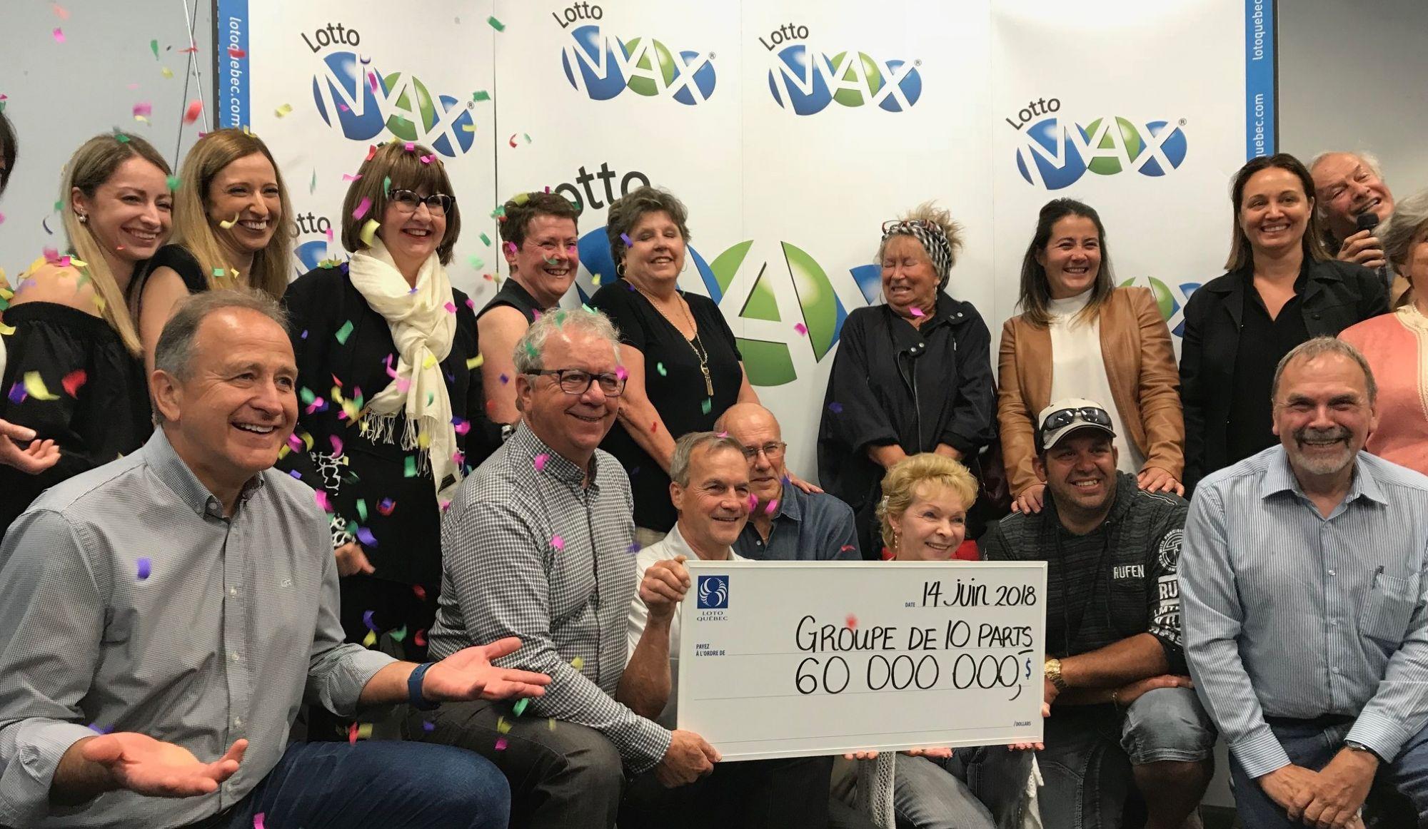 Les dix gagnants du gros lot du Lotto Max ont reçu leur chèque !