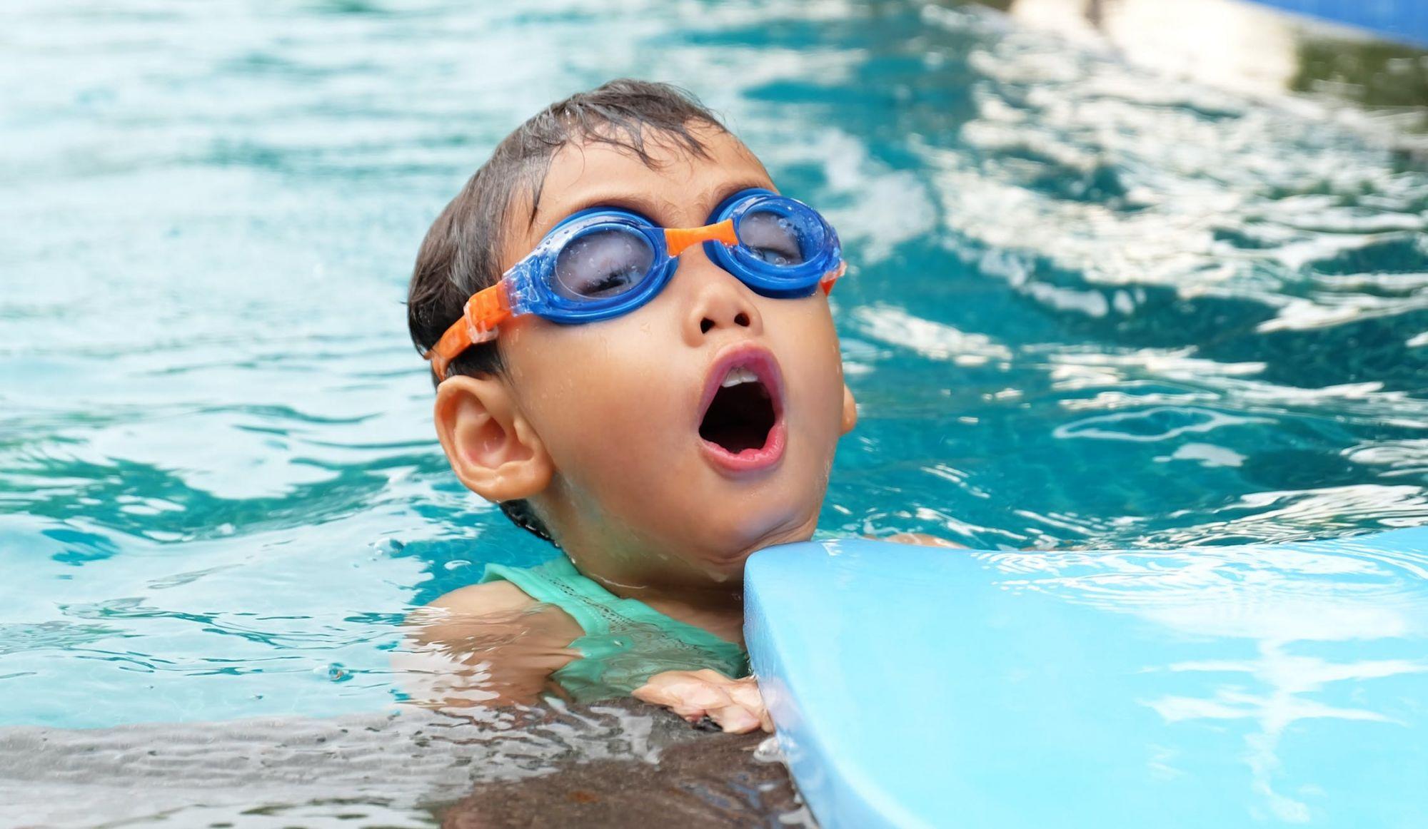 La moitié des enfants québécois ne sait pas nager