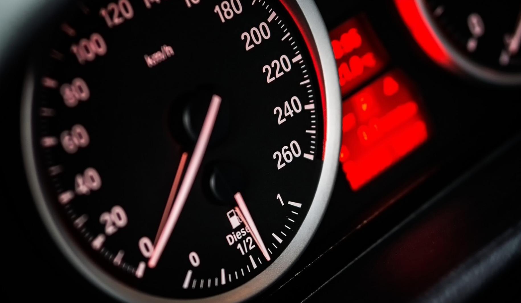 Un conducteur arrêté à plus de 160 km/h