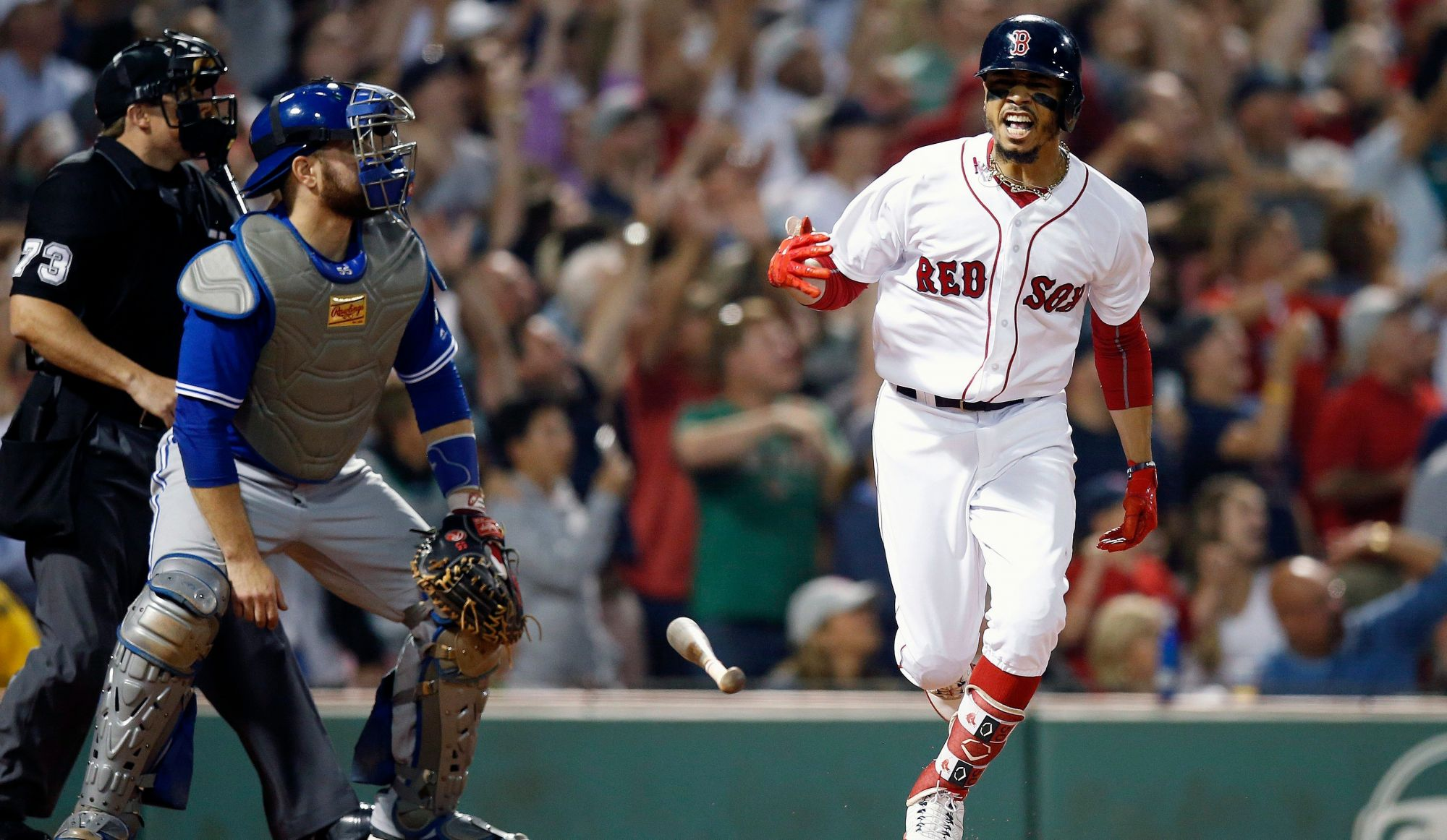 Mookie Betts produit 5 points contre les Blue Jays