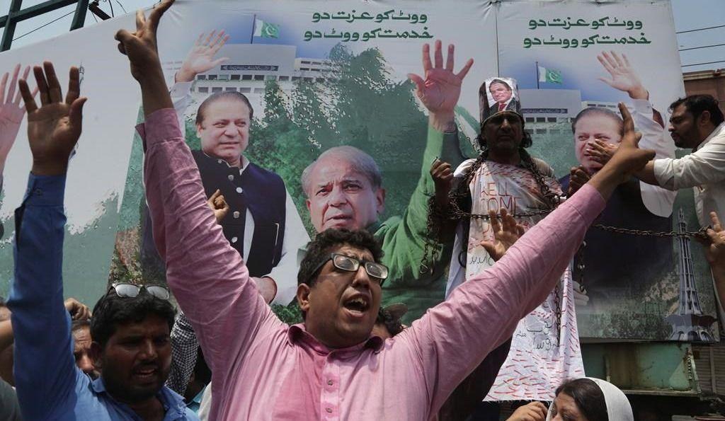 Pakistan: flambée de violence due au retour de Nawaz Sharif