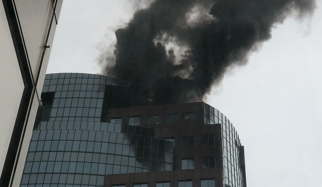 MAJOR Fire at Place Montreal Trust Today