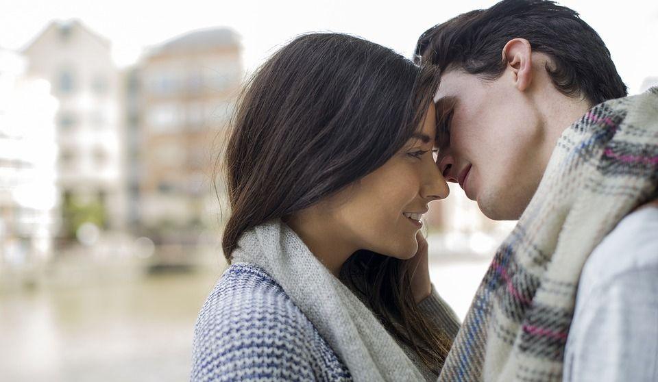 Combien de temps doit-on être datant avant d'embrasser sites de rencontres pas de mises à niveau