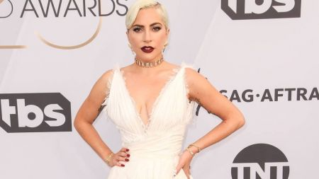 530eeac454c Lady Gaga is a fashion winner in plunging white at the SAG Awards ...