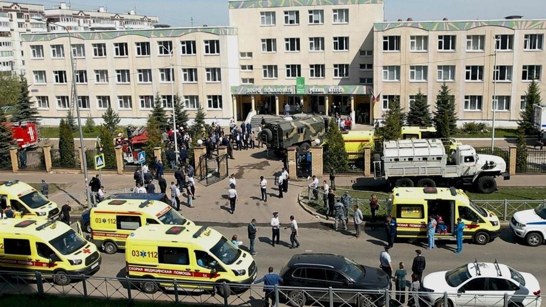 Russie | Fusillade meurtrière dans une école de Kazan - 98.5 FM